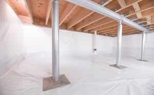 Crawl space structural support jacks installed in Yorklyn