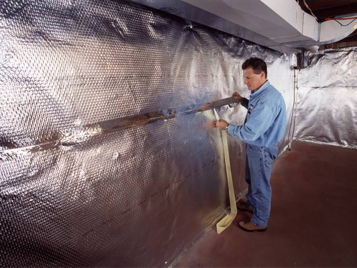 of a radiant heat and vapor barrier on a basement wall in nottingham
